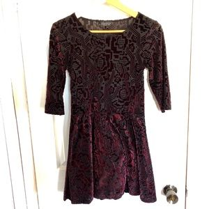 Topshop | Black & Mauve Velvet Patterned Dress | 6